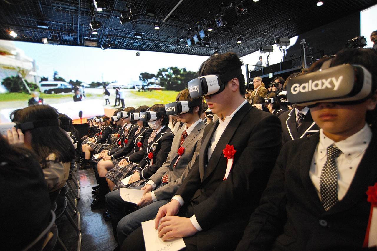 Online High School in Japan Enters Virtual Reality